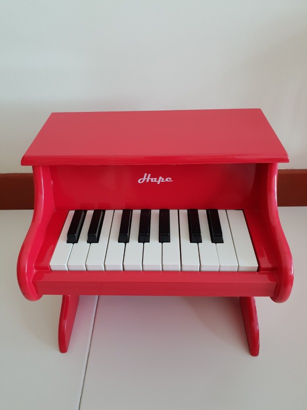 hape_playful_piano_germany_1535774797_e5325e22.jpg
